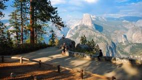 Przyrodniej kopuły Yosemite lodowa Dolinny punkt w Yosemite obywatela normie zdjęcie stock