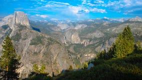 Przyrodniej kopuły Yosemite lodowa Dolinny punkt w Yosemite obywatela normie fotografia royalty free