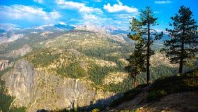 Przyrodniej kopuły Yosemite lodowa Dolinny punkt w Yosemite obywatela normie fotografia stock