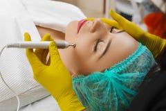 Przyrząd jest twarzowym kosmetologią Zdjęcie Stock