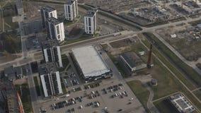 Przyspieszona fotografia lotnicza obszaru mieszkalnego miasta zdjęcie wideo
