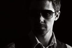 przystojni męscy okulary przeciwsłoneczne Obrazy Stock