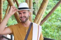 Przystojni południe - amerykański mężczyzna salutować obrazy stock