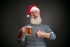 Przystojny żeglarz żeglarz piwny Claus Santa Obraz Stock