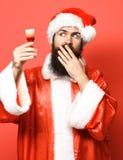 Przystojny brodaty Santa Claus mężczyzna zdjęcie royalty free