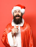 Przystojny brodaty Santa Claus mężczyzna obrazy royalty free