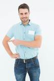 Przystojny doręczeniowy osoby wskazywać z ukosa Fotografia Stock