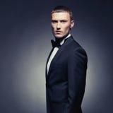 Przystojny elegancki mężczyzna Obraz Royalty Free