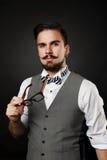 Przystojny facet z brodą i wąsy w kostiumu Obrazy Stock