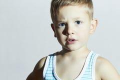 Przystojny Little Boy z niebieskimi oczami Portret dziecko Zdjęcia Stock