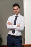 Przystojny Młody biznesmena portret W Jego biurze fotografia stock