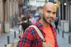 Przystojny młody etniczny mężczyzna outdoors z kopii przestrzenią obrazy royalty free