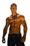 Przystojny, mięśniowy bez koszuli bodybuilder odizolowywający na bielu, Obrazy Stock