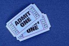 Przyznaje jeden bilety, dwa błękit zdjęcia royalty free