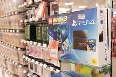 PS4 κονσόλα παιχνιδιών Στοκ Φωτογραφίες
