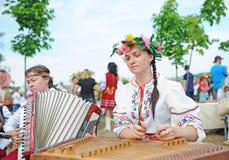 Psaltery und russisches Akkordeon stockbild