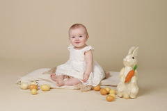 Páscoa Bunny Eggs do bebê Fotografia de Stock Royalty Free