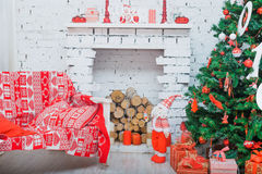 Psi collie z bożymi narodzeniami i nowy rok dekoracjami Zdjęcie Stock