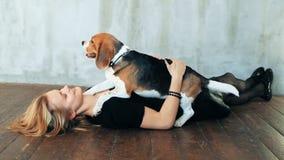 psia dziewczyna zbiory