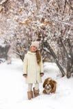 psia dziewczyno jej pet zdjęcia stock