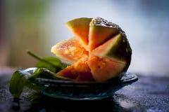 Psidiumguajavaguavor är vanligt tropiska frukter som odlas och tycks om i många tropiska och subtropiska regioner, Royaltyfria Bilder