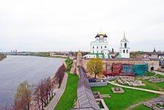 Pskov fästning i vår Royaltyfri Fotografi