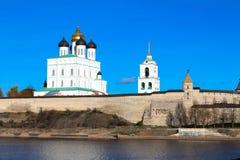 Pskov het Kremlin (Krom) royalty-vrije stock afbeeldingen