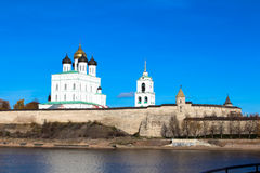 Pskov het Kremlin (Krom) stock afbeelding
