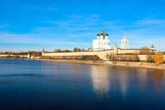 Pskov het Kremlin (Krom) stock fotografie