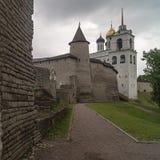 Pskov het Kremlin, Pskov, Rusland Stock Fotografie