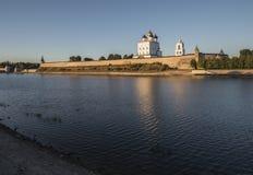 Pskov Kremlin Heilige Dreiheit-Kathedrale Stockfotografie