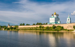Pskov Kremlin (Krom) and the Trinity orthodox cathedral, Russia Stock Photo
