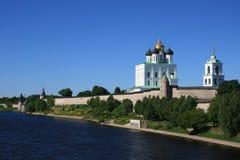 Pskov Kremlin La Russia Fotografie Stock Libere da Diritti
