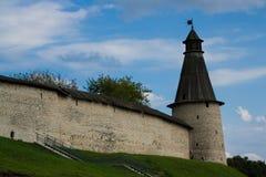 Pskov Kremlin no nascer do sol Imagem de Stock