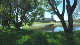 Pskov Kremlin am Sommer stock video