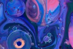 psychedelic bakgrund Modeller för abstrakt konst som göras av målarfärg, mjölkar och soap Arkivbilder
