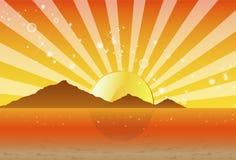 Psychedelischer Sonnenuntergang mit den Bergen und dem Strand lizenzfreies stockfoto