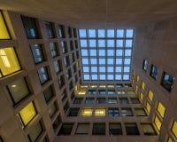 Psychologie-Gebäude-Mitte-Gericht Stockfotos