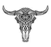 Psykedelisk tjur/aurochskalle med horn på vit bakgrund Arkivfoto