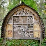 Pszczoła i insekt Gniazduje Pudełkowatego Drzewnego domu kompleks Zdjęcia Stock