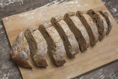 Pszeniczna mąka z świeżym chlebem cutted w plasterki Fotografia Royalty Free