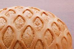 Pszeniczny chleb z sezamem i wzorem Obraz Stock
