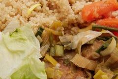 Pszeniczny gluten na leek z couscous na stole zdjęcia stock