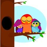 Ptaki na drzewie Zdjęcia Royalty Free