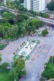 Ptasi ` s oka widok królewiątka Rama VI zabytek przy bramą Lumpini park, Ramy V droga, Lumphini, Pathumwan, Bangkok, Tajlandia Kr Obrazy Royalty Free
