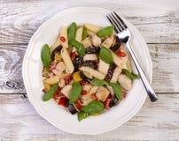 Pâtes avec de la viande et des légumes Images stock