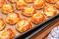 Pâtisserie faite maison fraîchement cuite au four. Photos stock