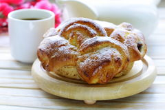 Pâtisserie française traditionnelle de brioche Image stock