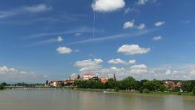 Ptuj, Eslovenia, lapso de tiempo panorámico tiró de la ciudad más vieja en Eslovenia almacen de video