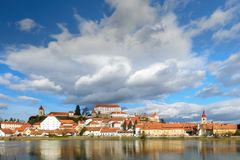 Ptuj, Slovenia, colpo panoramico di più vecchia città in Slovenia Fotografia Stock